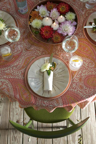 table setting dahlia