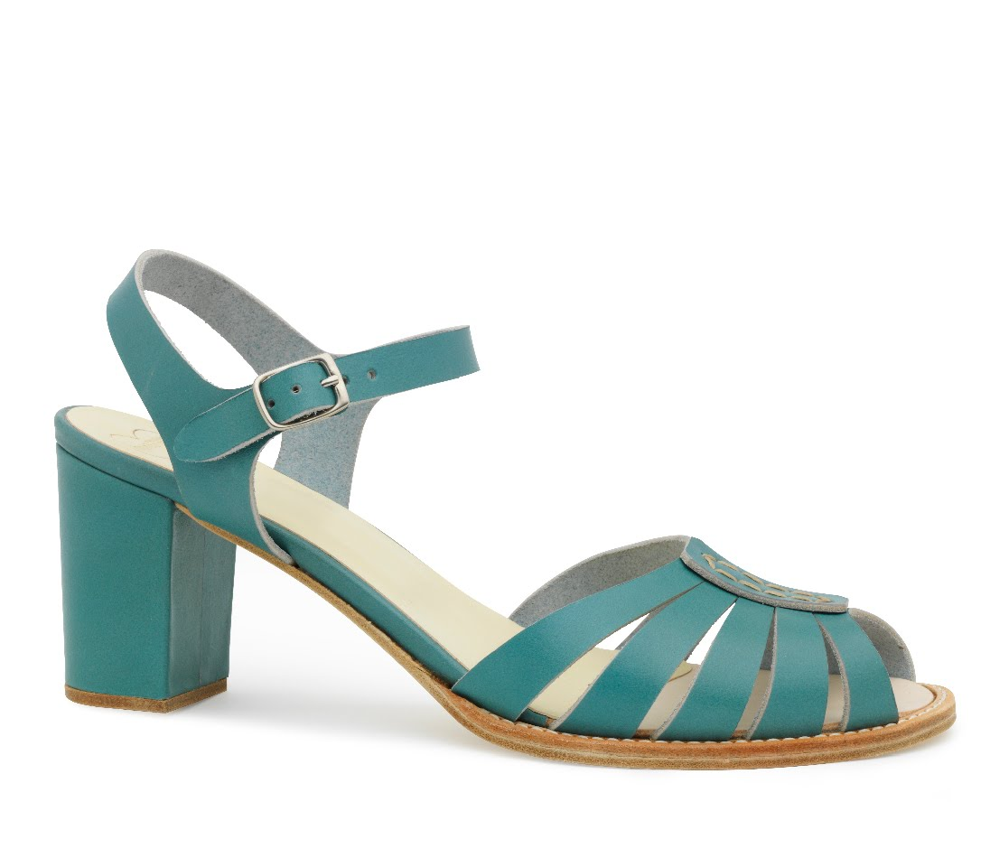Women's sandals that hide bunions - Bet That Title Grabbed You By The Big Toe Didn T It I Was Going To Put A Photo Of My Orthotics First But Thought Better Of It