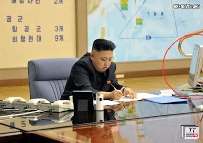 máy tính iMac của hãng Apple trên bàn làm việc của nhà lãnh đạo Kim Jong-un