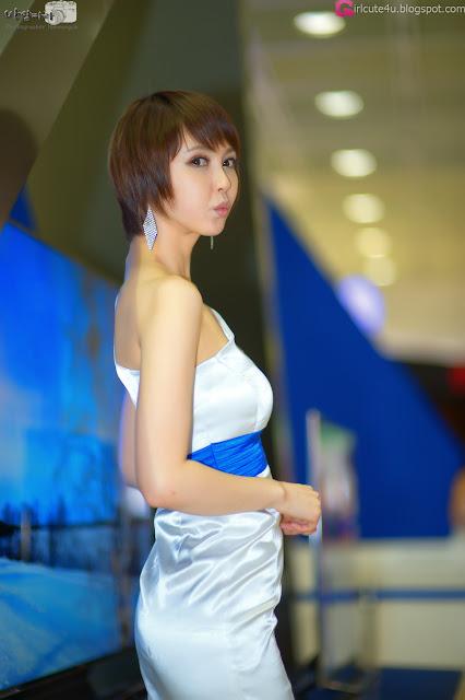 1 Kang Yui -  World IT Show 2012-very cute asian girl-girlcute4u.blogspot.com