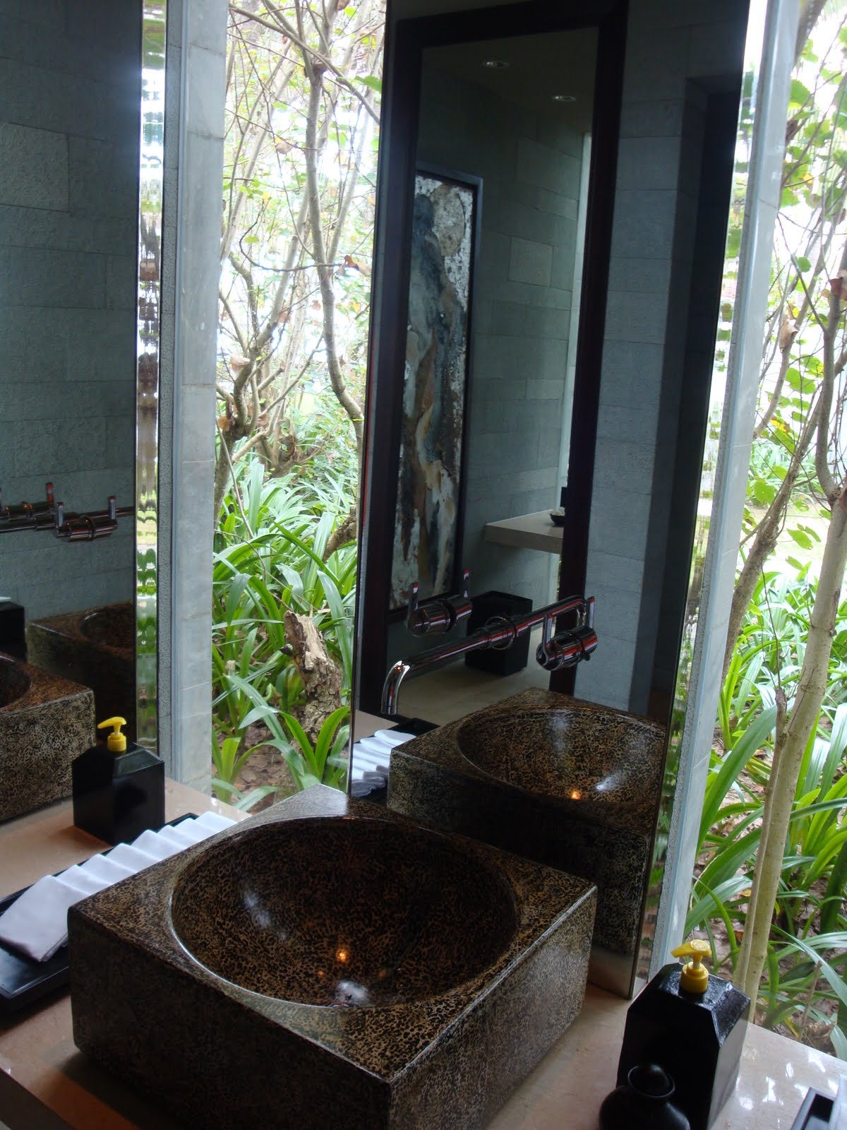 Desperate to use the bathroom - Check Out This Unbelievable Bathroom Almost Makes You Desperate To Powder Your Nose Please Note The Extensive Use Of Marble We Did Eventually Leave The