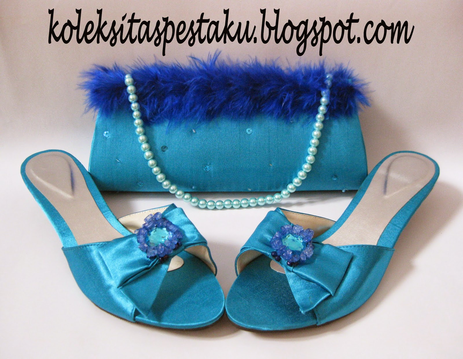 Tas Pesta dan Sepatu Pesta Biru Tosca Bulu Cantik