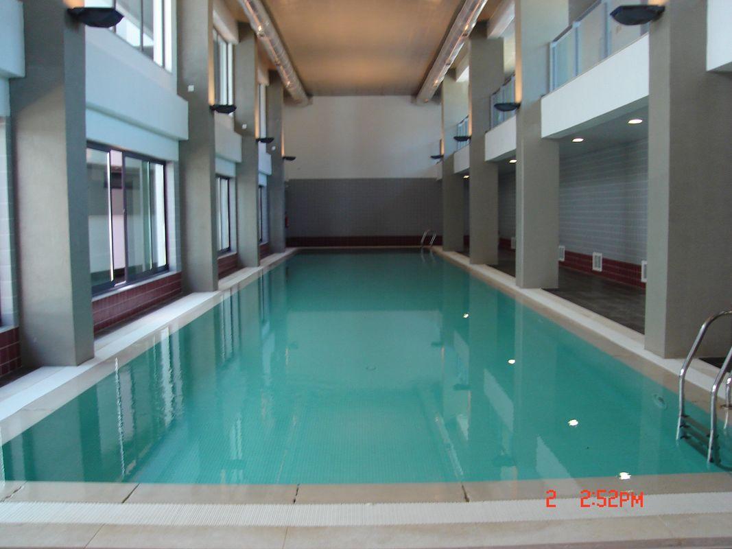 Residence golf club vilamoura for Piscina interior