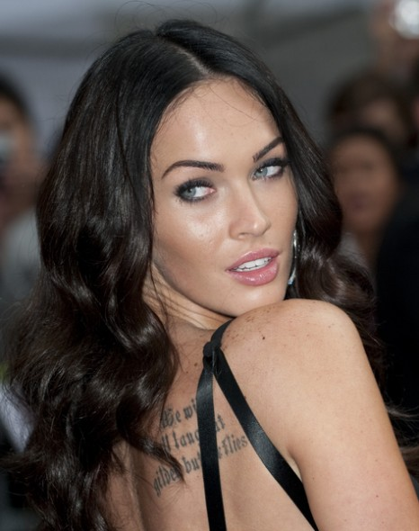 megan fox thumb. wallpaper megan fox hair highlights. megan fox thumb disease. on