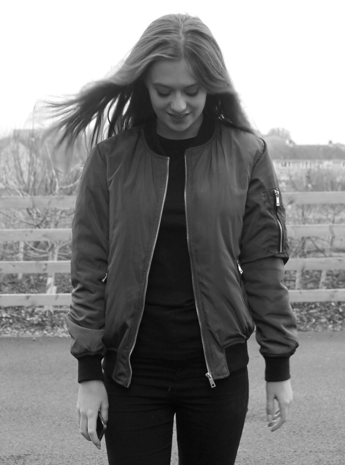 LAUREN, 17, UK
