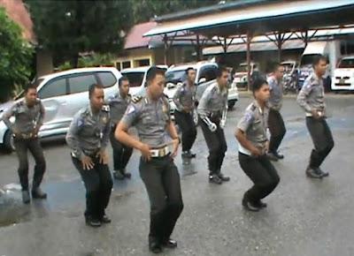 Foto Boyband Polisi Indonesia