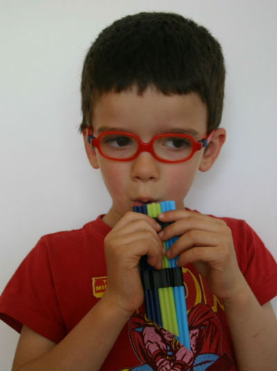 Instrumentos musicales caseros flauta