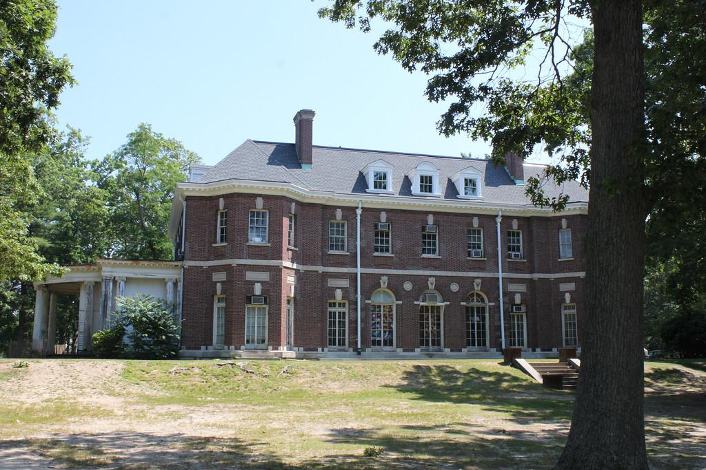 Brookwood Hall Long Island