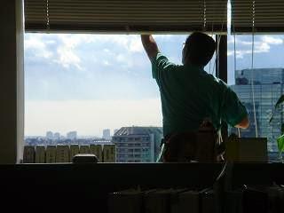 чистене на прозорец