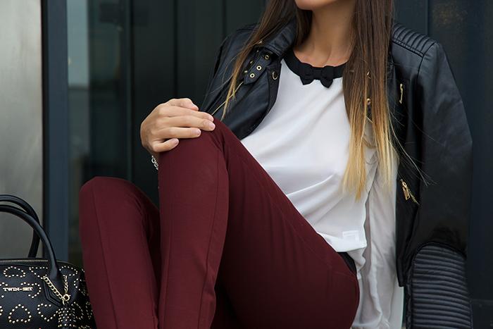 pantaloni burgundy
