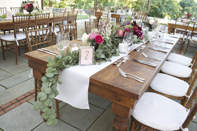 Tablescape (Centerpiece, Table Arrangement) - Inn at Buttermilk Falls - Hudson Valley NY - Splendid Stems Floral Designs