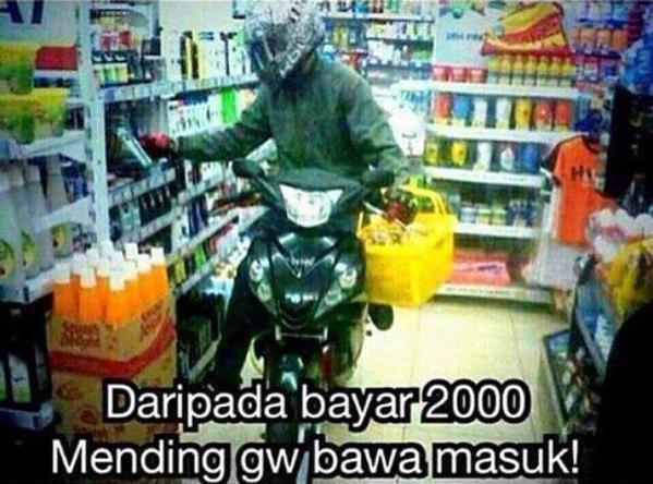 Meme Tukang Parkir: Dari pada kena parkir 2000