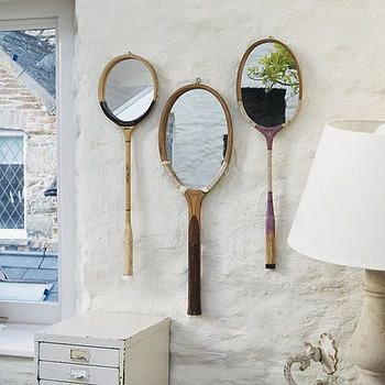 espejo diy hecho con raquetas de tenis antiguas