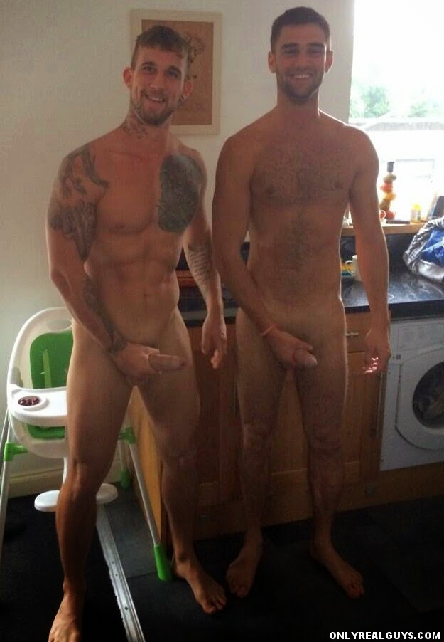 Hot Straight Men Get Outed In Public 2