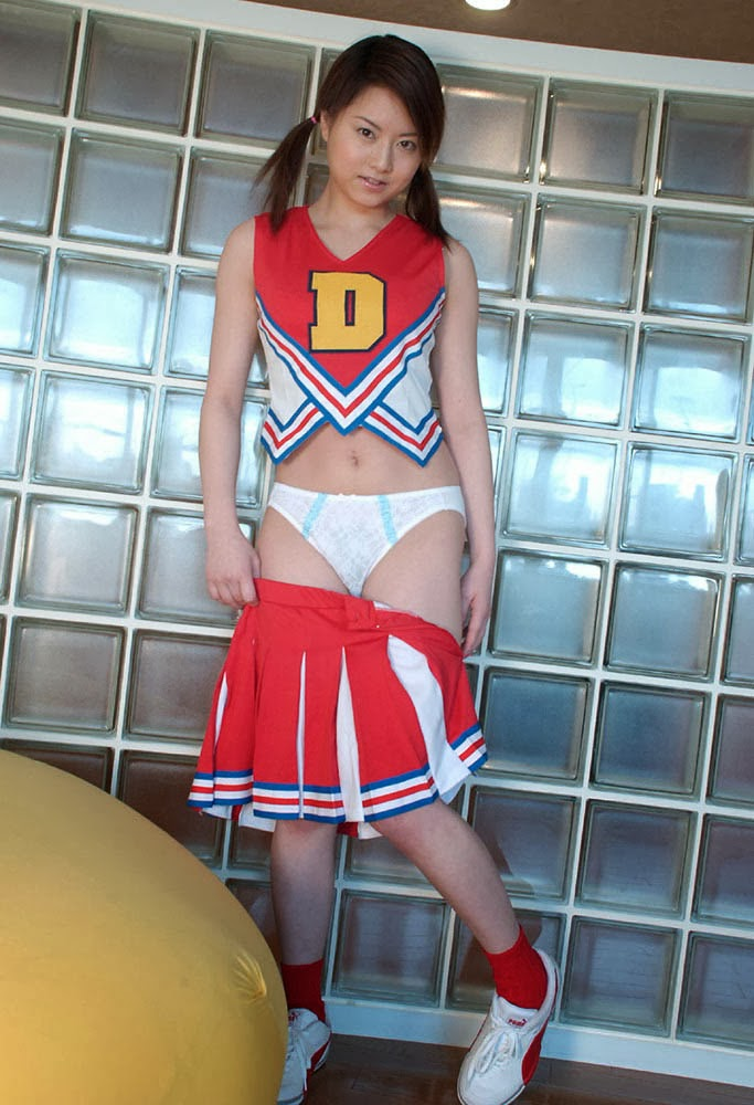 akiho yoshizawa cheerleader naked photos 04