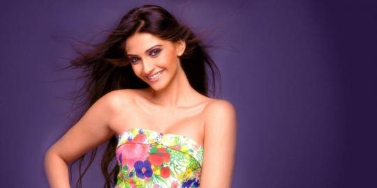 8 Aktris Dengan Tubuh Terseksi di India