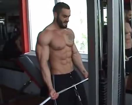 larza machine weight training