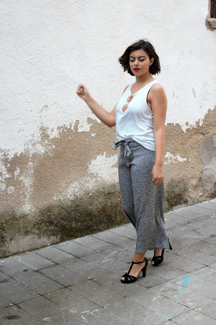 culotte- pantalones culotte- culotte de punto- sandalias tacon, basica, outfit, look