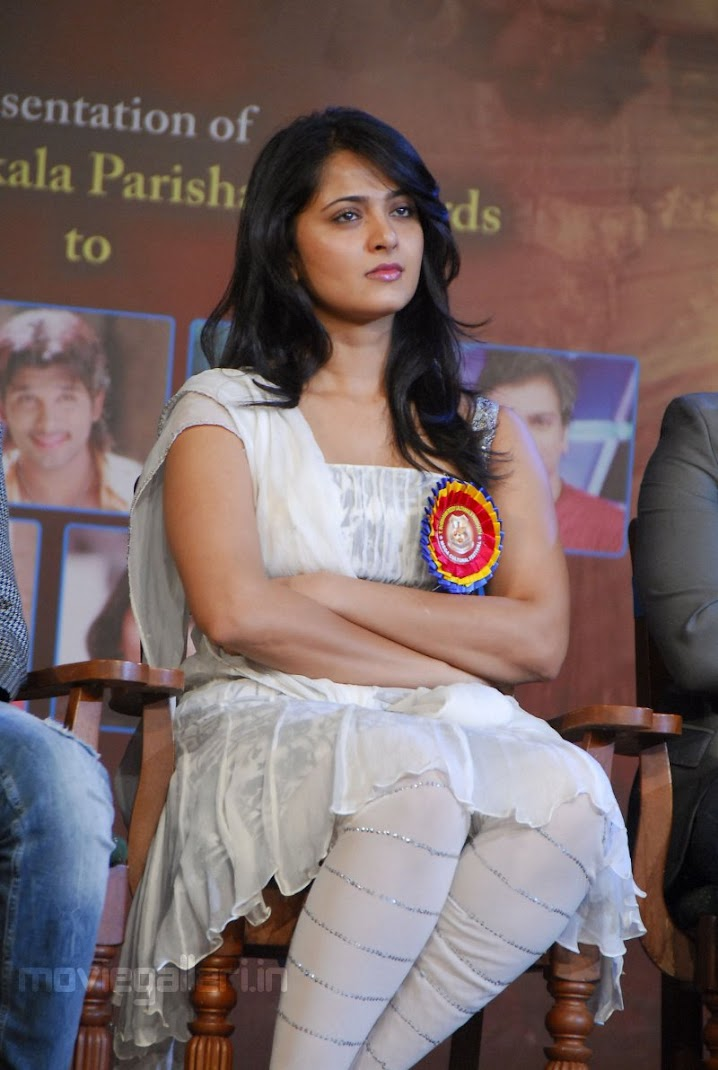 Anushka Shetty at TSR Awards 2011
