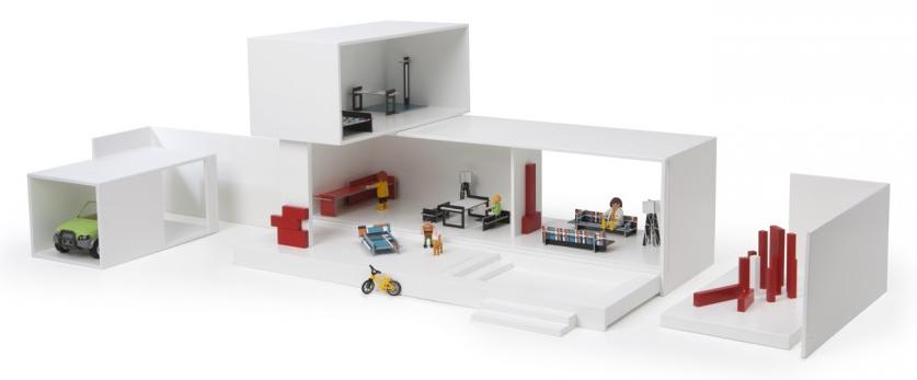 Une Maison Entièrement Modulable, En Bouleau, Qui Se Range Dans Une Boîte,  Avec Des Meubles à Lu0027échelle Des Playmobil (1:24 De La Taille Humaine).