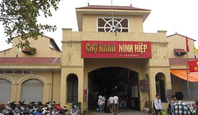 Hướng dẫn đi chợ Ninh Hiệp để nhập hàng vải vóc, quần áo về bán