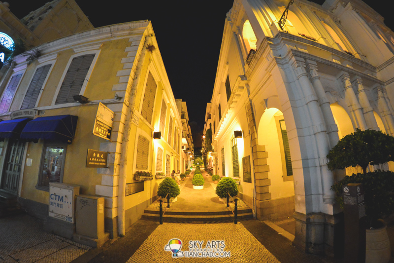"""""""Travessa do Roquette"""" at Holy House of Mercy of Macau 仁慈堂"""