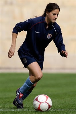 Tina%2BDiMartino 7 Pemain Sepakbola Wanita Tercantik Dan Tersexy