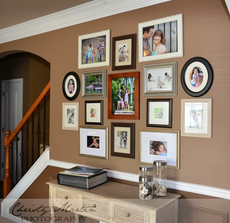 How to Create a Family Wall of Photos | Walking on Sunshine Recipes