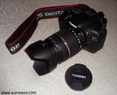 Canon EOS 550Dcon un objetivo Tamron 18-200 F/3.5-6.3