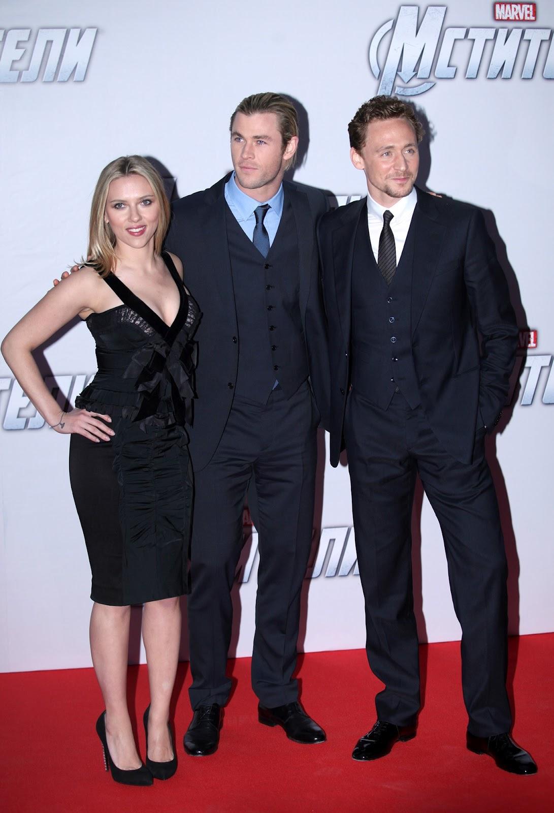 http://3.bp.blogspot.com/-38rgbFlYHcU/T4_dWwnpSEI/AAAAAAAABBM/z6_CjO7oxK0/s1600/Scarlett_Johansson_The_Avengers_premiere_Moscow_2012_09.jpg