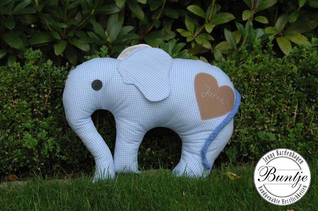 Kuschelkissen Elefant Elefantös Farbenmix Baumwolle hellblau Geschenk Geburt Taufe Name handmade nähen Buntje