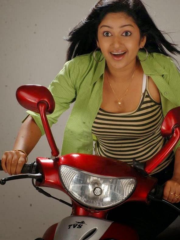 Rekha Ratheesh – Parasparam Serial Actress Photos