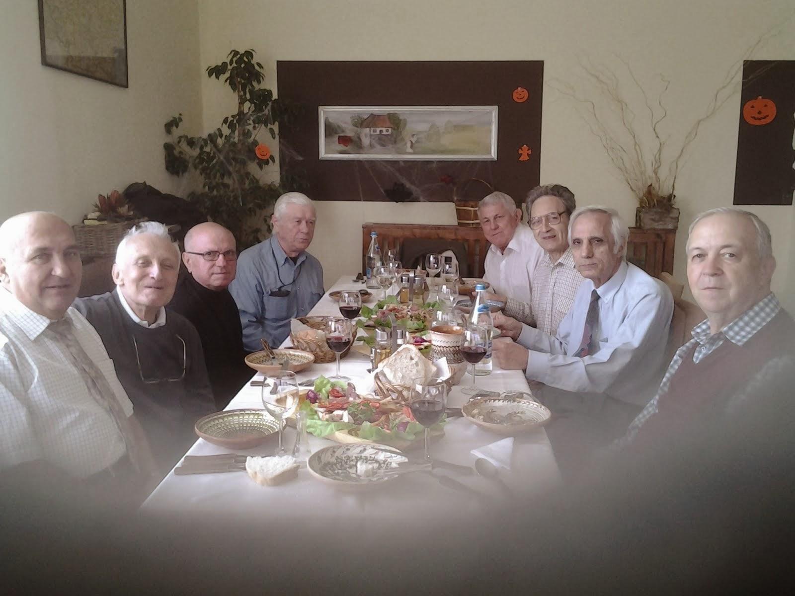 Nicolae Marcov si colegii de la Liceul Gh Sincai, revedere 31 oct 2013 Bucuresti