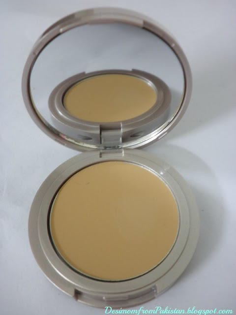 LAURA MERCIER TINTED MOISTURIZER CRE'ME COMPACT in nude