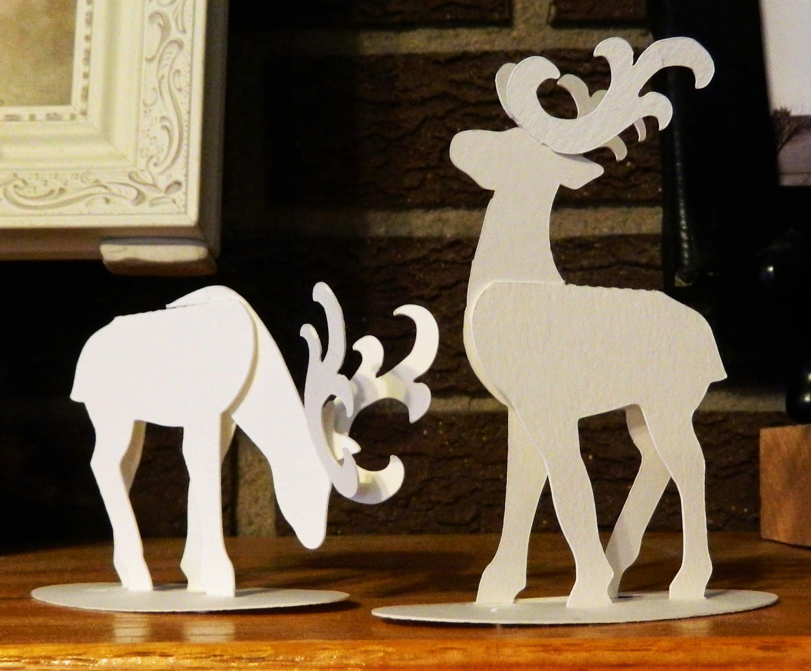 Laura 39 s frayed knot paper reindeer for Reindeer tail template