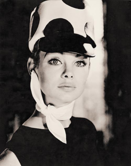 Norman Parkinson sixties fashion photo