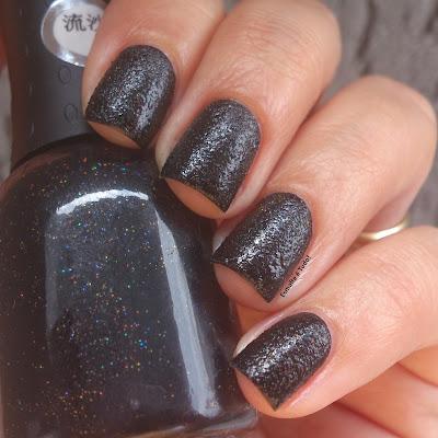liquid sand black