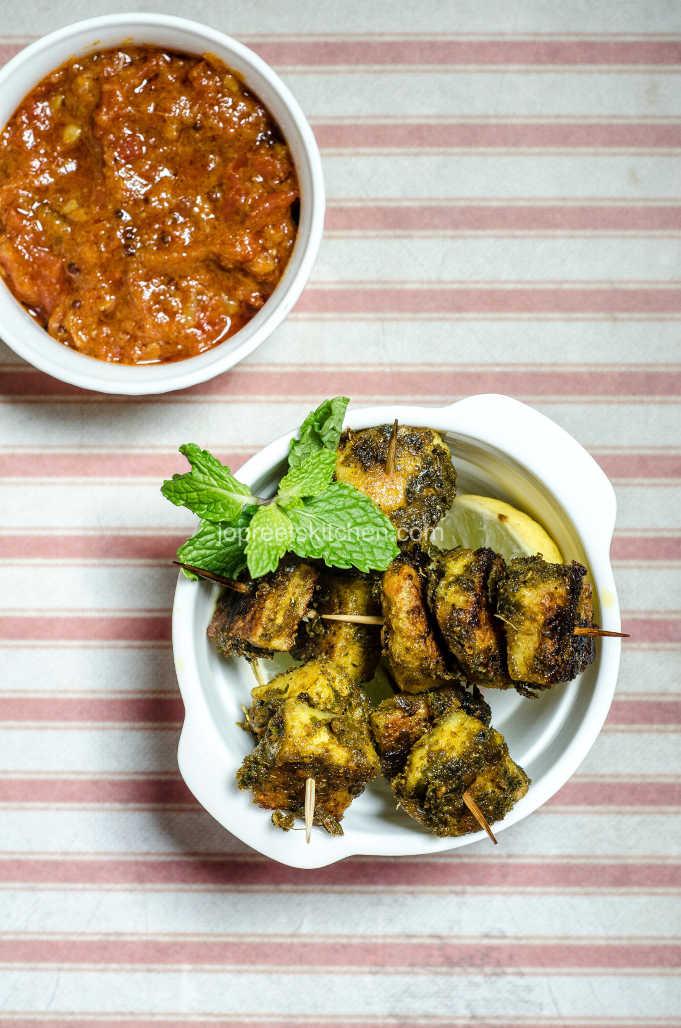 Karuveppilai Paneer Tikka / Paneer & Curry Leaves Tikka - Stove Top Method