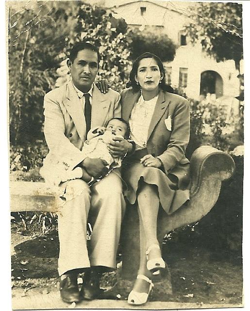 sus padres Honorato Pinedo