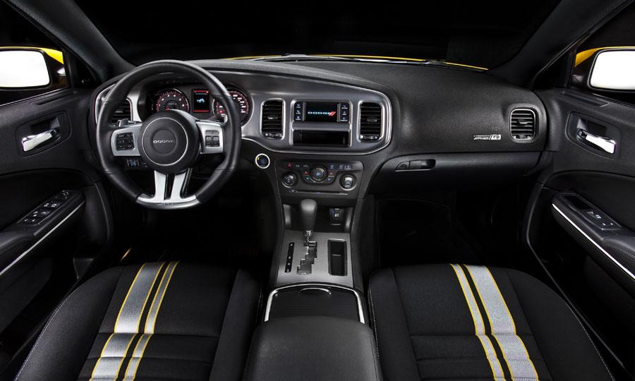 2015 Dodge Challenger SRT8 Interior
