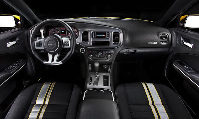 2014 Dodge Challenger Interior Photo
