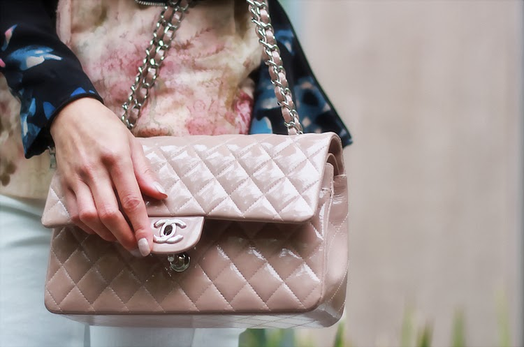 chanel blush patent classic flap