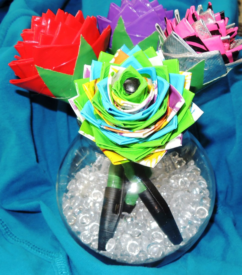 ribbonsmyth: Duct Tape Flower Pen Bouquet