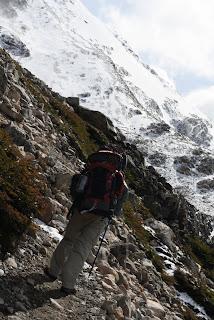 hiking parque nacional los glaceries argentina