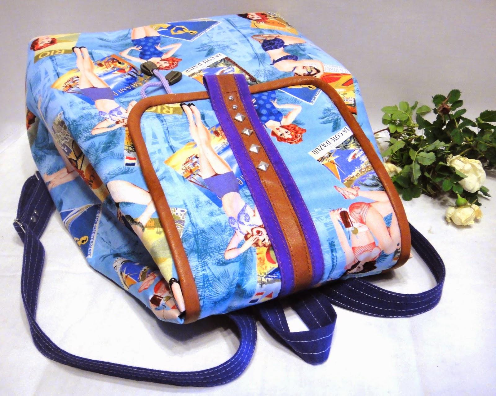 летний женский рюкзак с карманами и клапаном небольшого размера