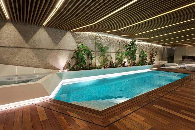 Swimming pool in Ultra Modern House by architekti.sk, Slovakia