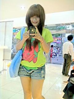 Khmer girl Coca Mini with short jean 1