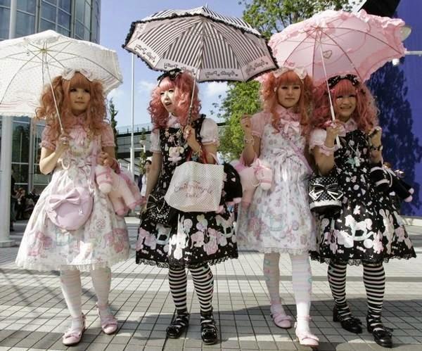 conocidas por vestirse como autnticas muecas de porcelana de la poca victoriana y eduardiana maquillajes muy suaves y en tonos pastel suelen ser muy