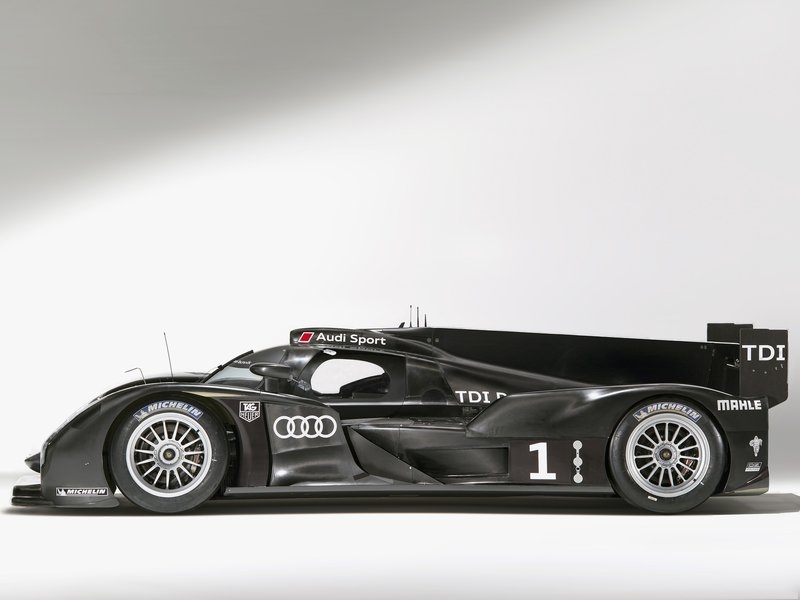صور سيارة اودى ار 18 2011 - اجمل خلفيات صور عربية اودى ار 18 2011 - Audi R18 Photos 3.jpg