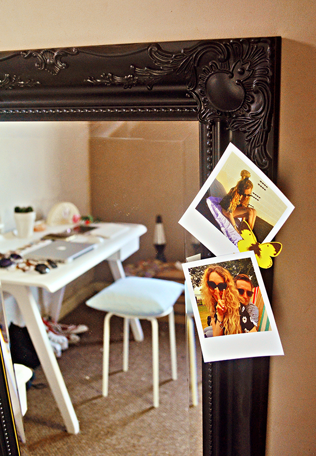 polaroid print, mirrorworld black frame review, lets go hme butterflies, ikea stool, cute fashion bloggers studio #fbloggers, bloglovin